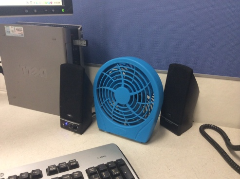Desk top fan
